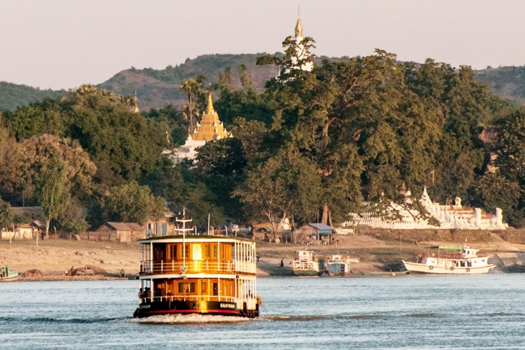 Myanmar_Upper_Irrawaddy_cruise