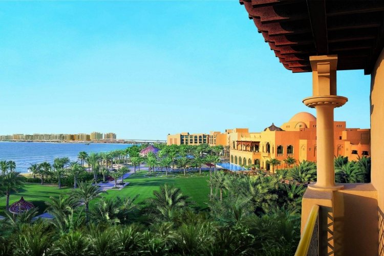 Dubai_One_and_Only_Royal_Mirage_overzicht_tuin_zwembad