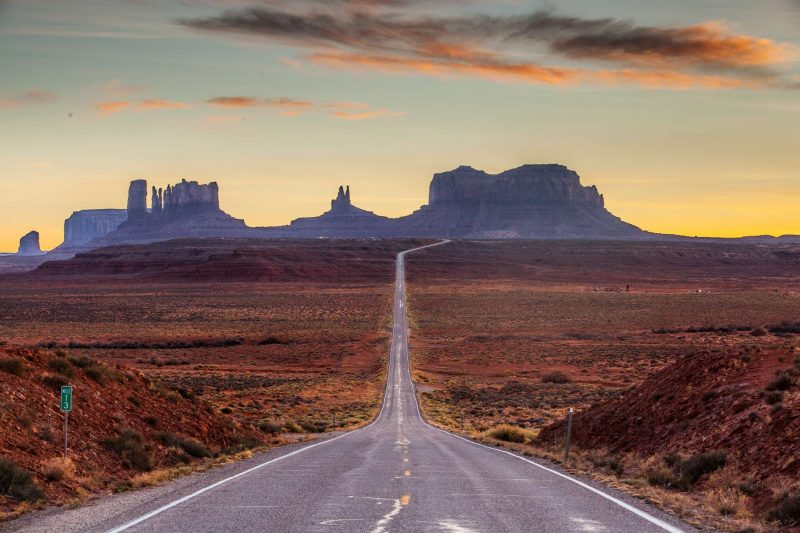 USA_Zuidwest_Monument_Valley_sunset