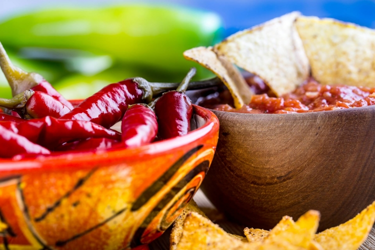 Mexico_salsa_tortilla_chips_chilli_pepers