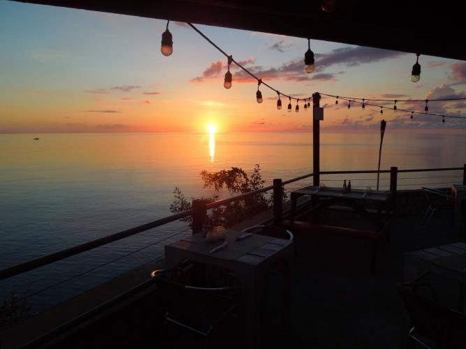 Jamaica_Push_Cart_Cafe_zonsondergang