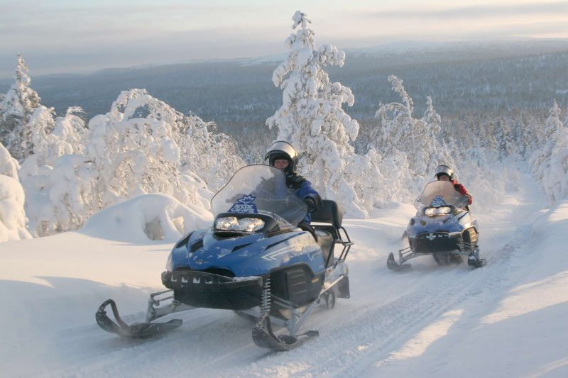 Finland_Lapland_sneeuwscooter