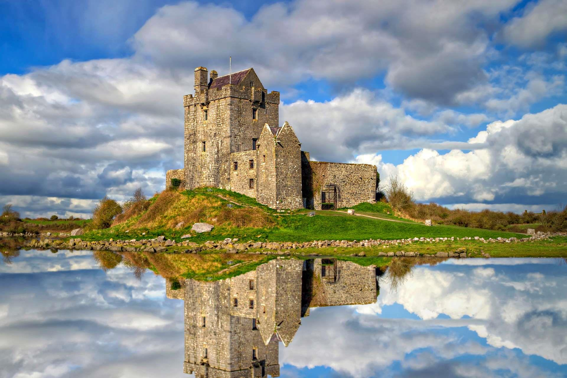 Ierland_Galway_DunguaireCastle
