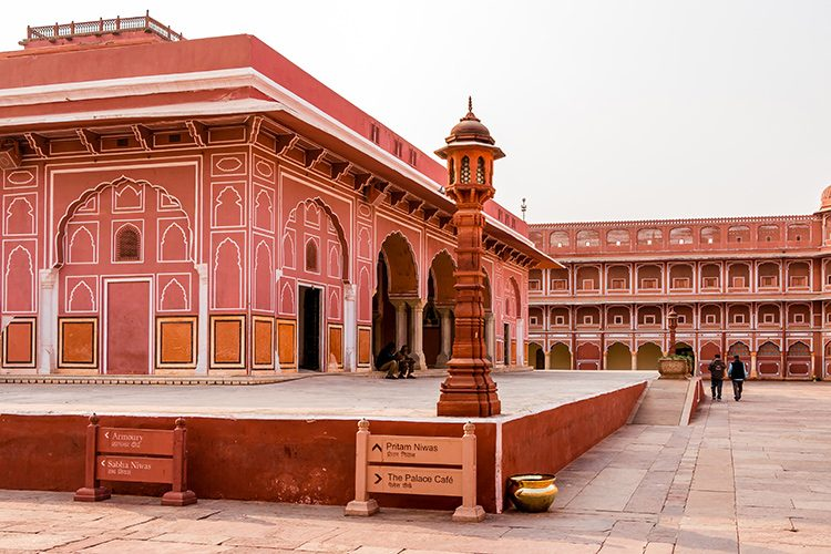 India_Rajasthan_Jaipur_City-Palace_cox&kings