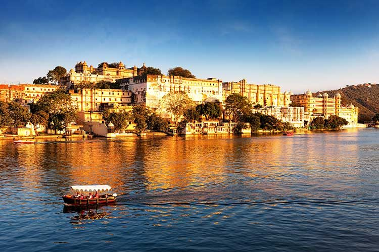 India_Rajasthan_Rajasthan_Udaipur_Lake-city-palace_cox&kings