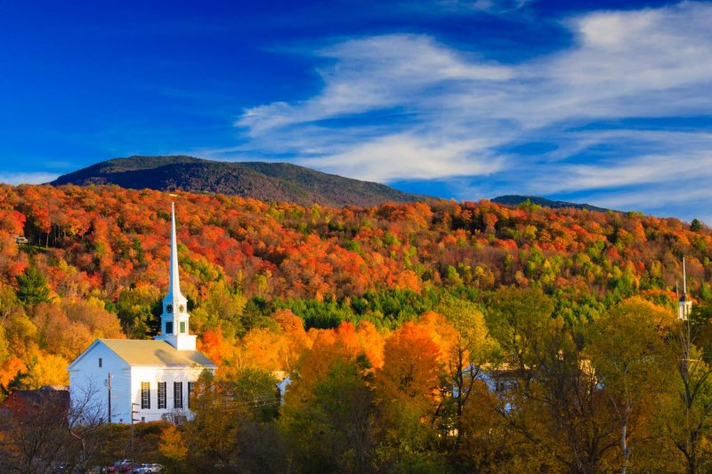 USA_Vermont_Stowe_Stowe_Community_Church_Indian_Summer