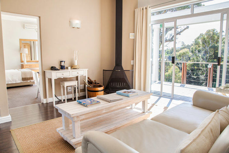 Zuid-Afrika_Kaapstad_Camps_Bay_Camps_Bay_Retreat_Suite_woonkamer