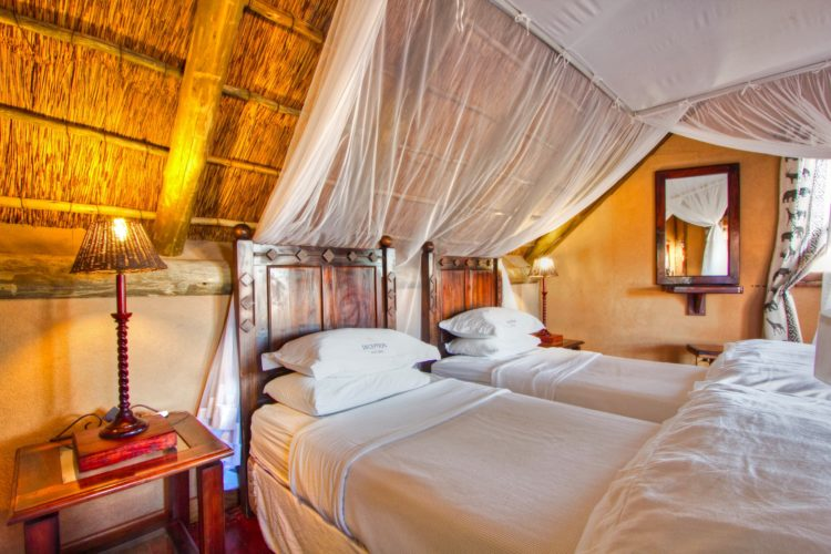 Botswana_Central_Kalahari_Game_Reserve_Deception_Valley_Lodge_chalet_slaapkamer