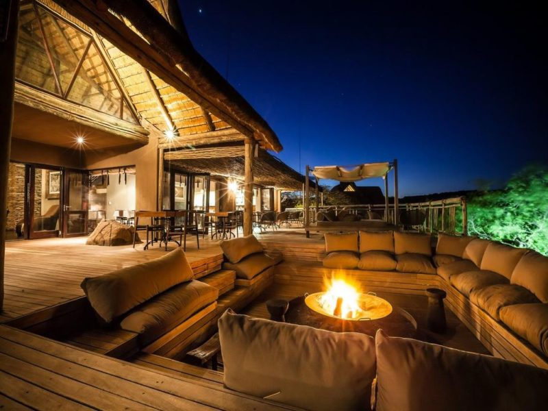 Zuid-Afrika_Nambiti_Hills_Private_Game_Reserve_Nambiti_Hills_Private_Game_Lodge_kampvuur