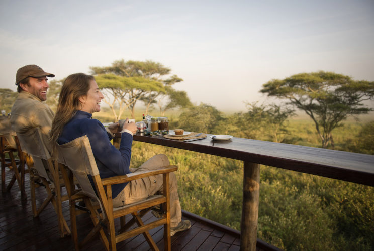 Tanzania_Tarangire_Asilia_Olivers_Oliver's-Camp-guests-breakfast-deck-HR-Eliza-Deacon