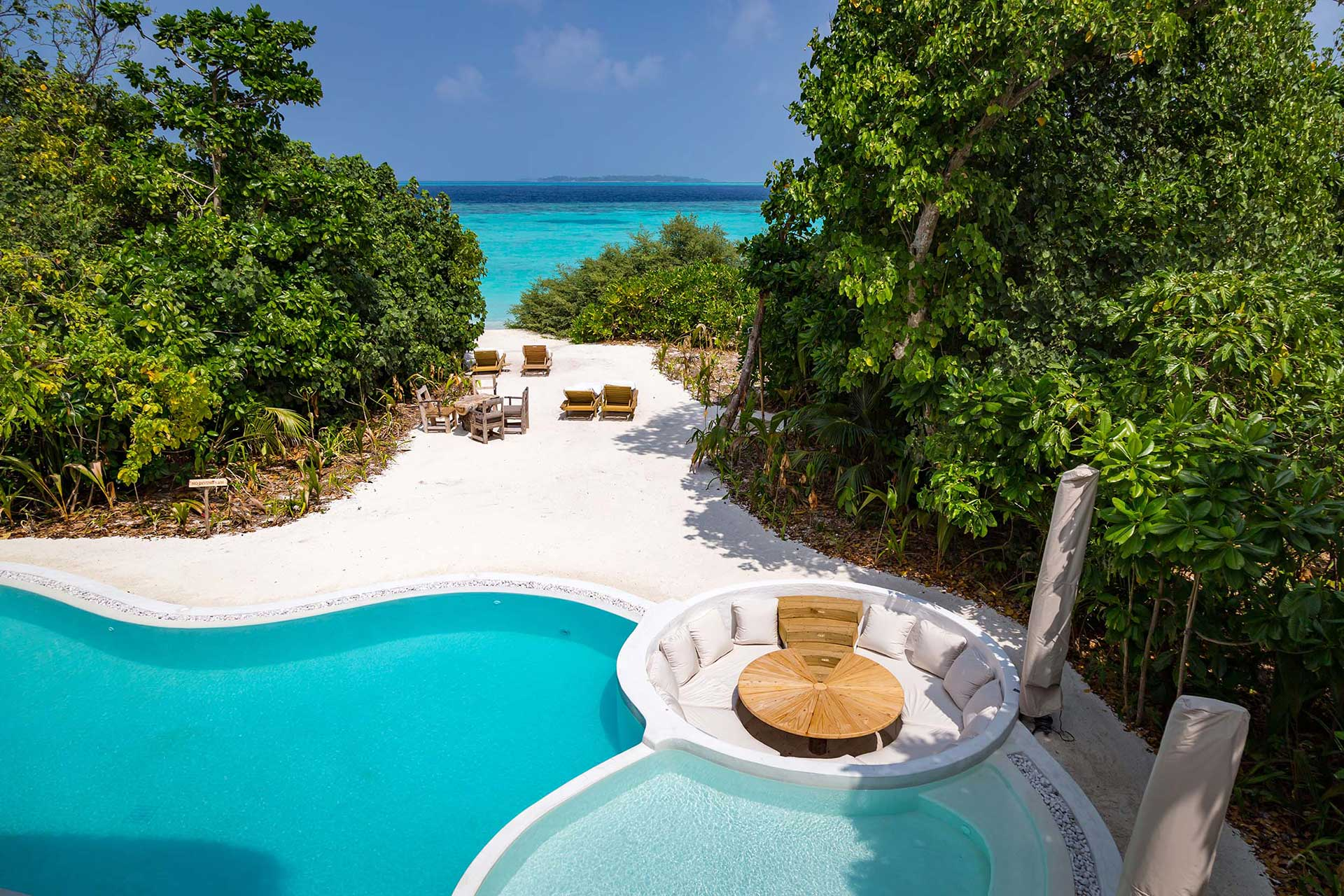 Malediven_Soneva-Fushi_Villa-Suite-3-Bedroom-with-Pool-V.5_Pool-by-Martin-Whiteley