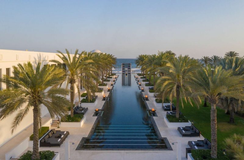 Oman_The_Chedi_Muscat_The_Long_Pool_zwembad